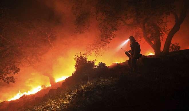 कैलिफोर्निया: अभी तक नहीं बुझी जंगल की आग, अब तक 23 मरे, 600 लापता