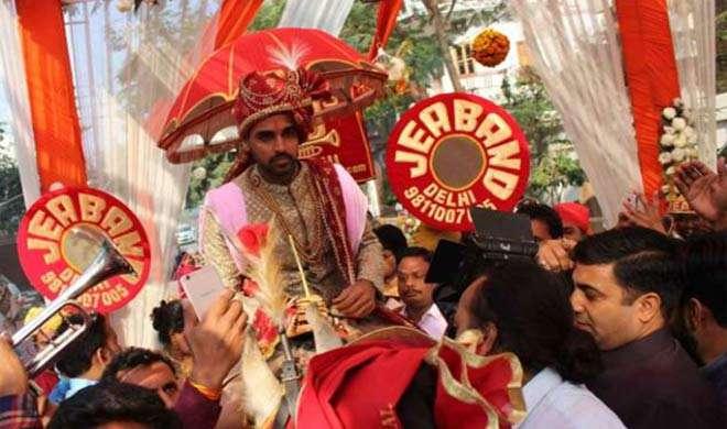 Image result for शादी के बंधन में बंधे भुवनेश्वर कुमार