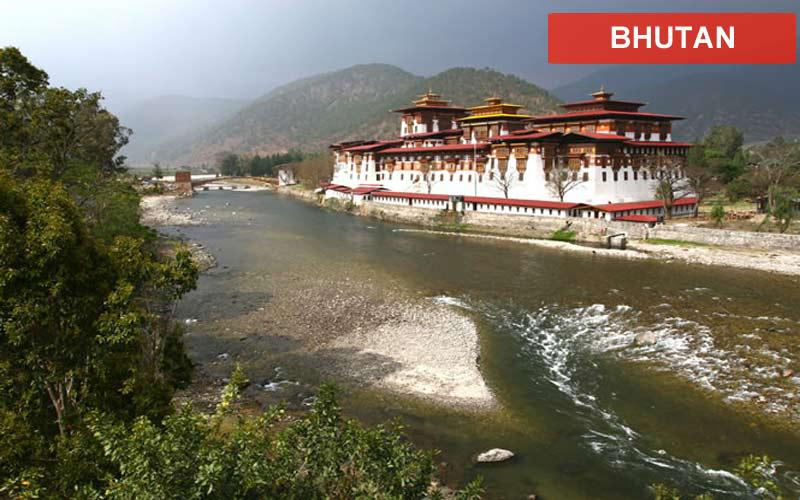 bhutan_punakha_monastery_lr