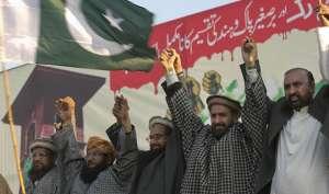 हाफिज सईद ने कश्मीर दिवस पर निकाली भारत विरोधी रैली