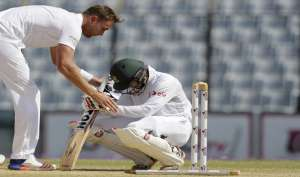 इंग्लैंड-बांग्लादेश टेस्ट: लब तक आते आते कैसे प्याला छलक गया