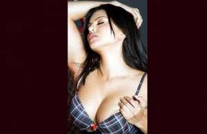 बॉलीवुड अभिनेत्री सनी लियोन की बोल्ड तस्वीरें