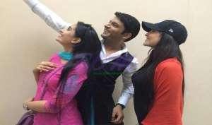 कॉमेडी किंग कपिल शर्मा की selfie pics