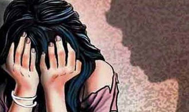 कथित बलात्कारी देवर का गुप्तांग काटकर भाभी पहुंच गई थाने