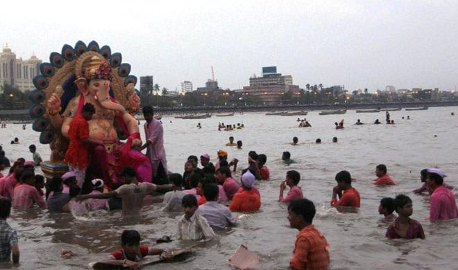 कर्नाटक में गणपति विसर्जन के दौरान बड़ा हादसा, तुंगभद्रा नदी में 12 लोग डूबे - India TV