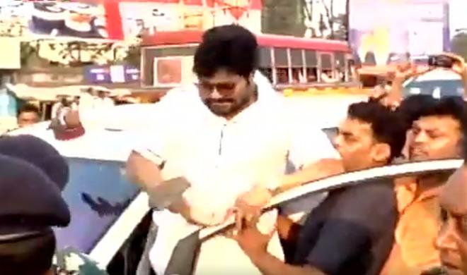केंद्रीय मंत्री बाबुल सुप्रीयो पर हमला, TMC कार्यकर्ताओं ने किया पथराव - India TV