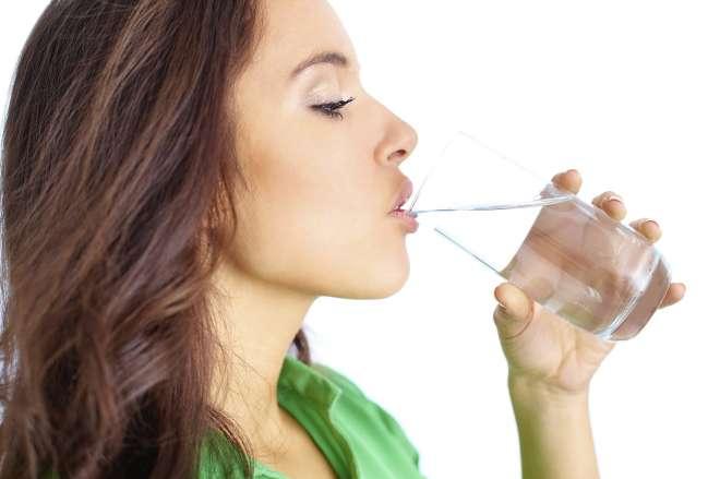 ख़बरदार! ज़्यादा पानी पीना हो सकता है जानलेवा - India TV