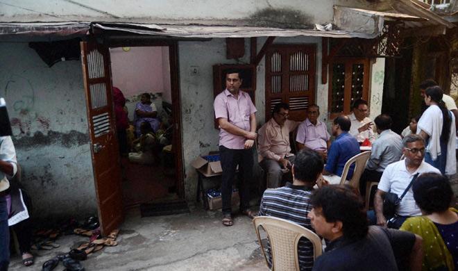 मुंबई में 72 साल के बुजुर्ग RTI कार्यकर्ता की गोली मारकर हत्या - India TV