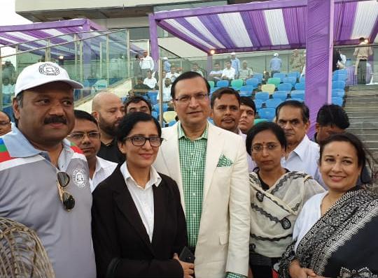 डीडीसीए अध्यक्ष रजत शर्मा और मशहूर वकीलों के साथ तस्वीरों में नजर आए सुप्रीम कोर्ट बार एसोसिएशन के सेक्रेटरी विक्रांत यादव