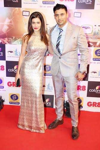 संग्राम सिंह और पायल रोहतगी को भी 'इंडियन टेलीविजन अवॉर्ड्स' के रेड कारपेट पर एक साथ देखा गया।