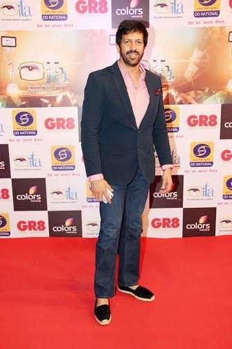 'इंडियन टेलीविजन अवॉर्ड्स' में कबीर खान गेस्ट के तौर पर शामिल हुए।
