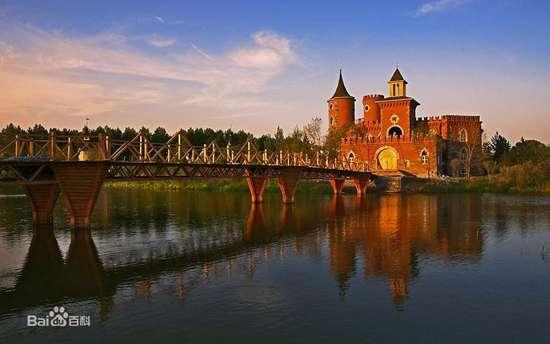 रूस की वोल्गा नदी कुछ इस तरह की दिखती है।