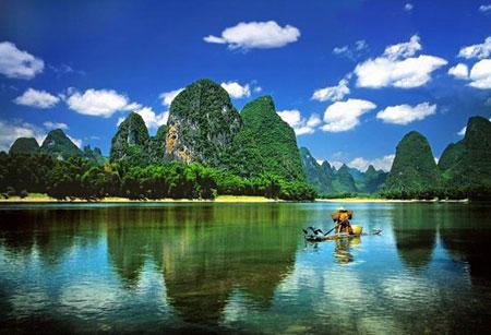 चीन की खूबसूरत लीजिअंग नदी।