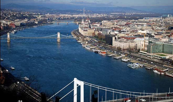 यूरोप में स्थित खूबसूरत डेन्यूब और राइन नदी।