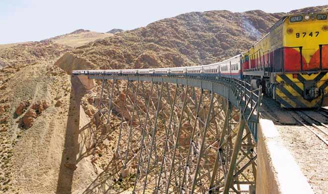 Tren a las Nubes,argentina: यह विश्व की सबसे 5वीं सबसे लंबी ट्रेनों में से एक है। यह समुद्र स्तर से 4,220 मीटर की ऊंचाई पर चलती है।