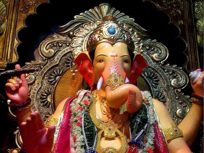 गणेश जी का नाम हिन्दू शास्त्रो के अनुसार किसी भी कार्य के लिये पहले पूज्य है, इसलिए इन्हें आदिपूज्य भी कहते है।