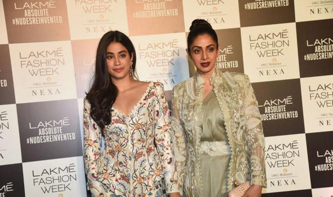 sri devi and jhanvi at lakme fashion week 2018