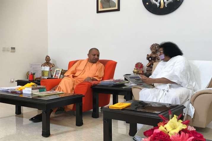 CM Yogi with Jain muni