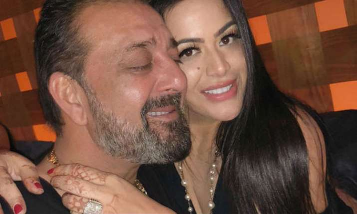 बेटी त्रिशला के साथ संजय दत्त