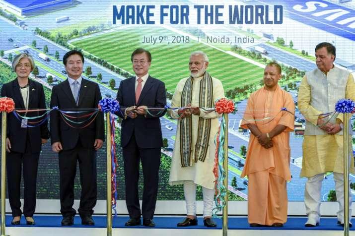 Prime Minister Narendra Modi with South Korean President Moon Jae-in