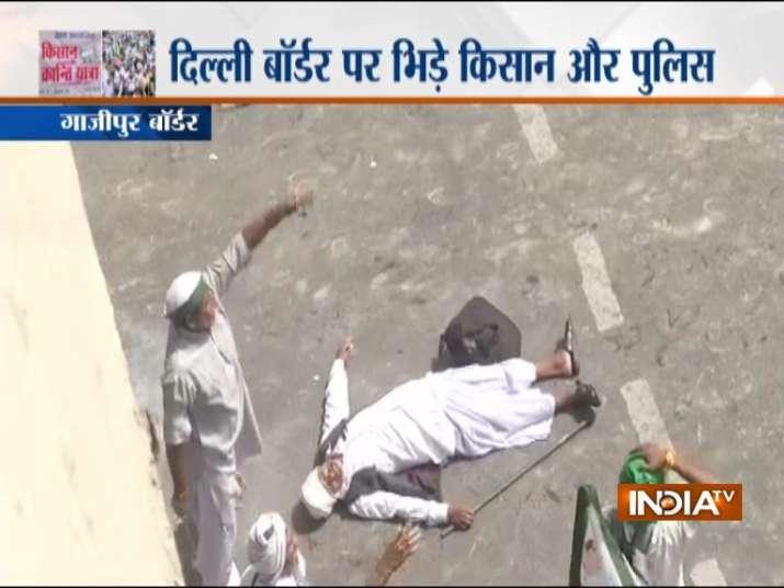 सुरक्षाबलों और किसानों की झड़प में कुछ किसानों को चोटें भी आई हैं