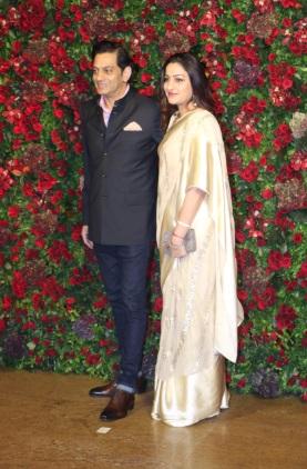 पत्नी के साथ राघवेंद्र राठौड़