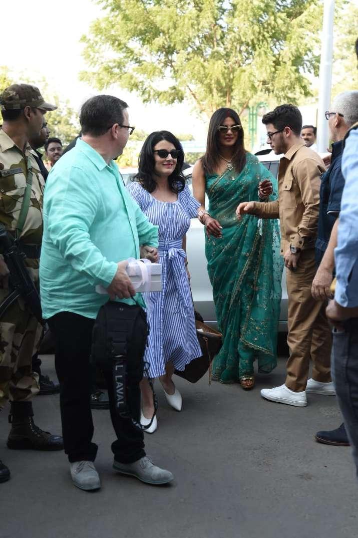 Priyanka Chopra with Nick Jonas and his parents