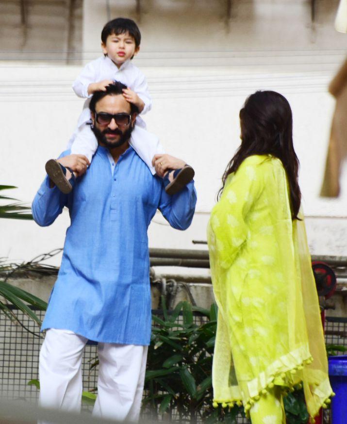 Kareena Kapoor Khan Saif Ali Khan Taimur Ali Khan celebrate Republic Day 2019