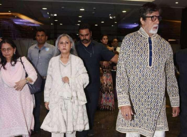 अमिताभ बच्चन पत्नी जया बच्चन के साथ आए नजर