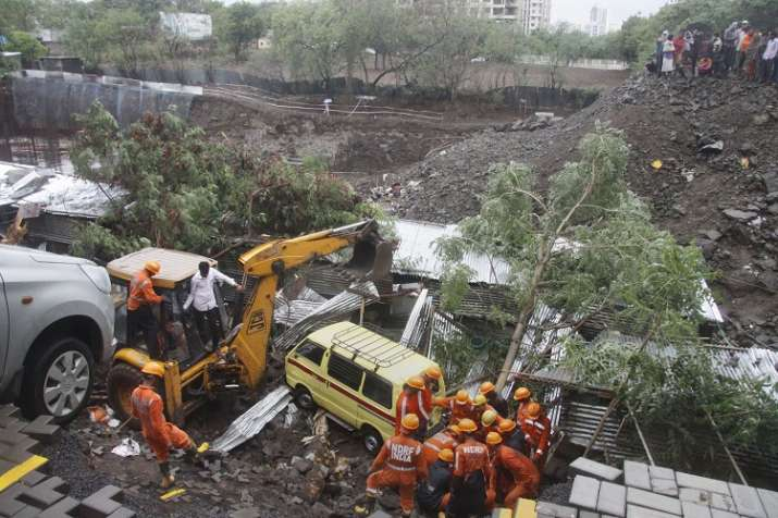 pune wall collapse