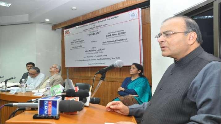 साल 2009 में अरुण जेटली राज्यसभा में विपक्ष के नेता चुने गए। भाजपा के एक पद वाली नीति के तहत उन्होंने संगठन के जनरल सेक्रेटरी के दायित्व से इस्तीफा दे दिया। राज्यसभा में विपक्ष के नेता की हैसियत के तौर पर उन्होंने CWG स्कैम, महिला आरक्षण बिल, इंडिया-अमेरिका न्यूक्लियर डील सहित कई मुद्दों पर दमदार भूमिका निभाई। साल 2012 में अरुण जेटली एकबार फिर से गुजरात से राज्यसभा के लिए चुने गए।