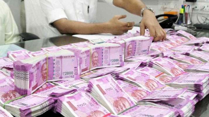 ISI agents copy hi-tech features in latest Rs 2000 fake notes