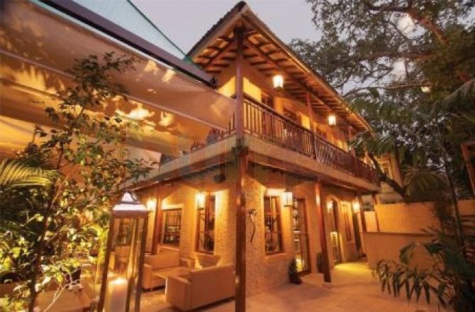 अंदर से ऐसा दिखता है महानायक अमिताभ बच्चन के सपनों का घर 'जलसा'