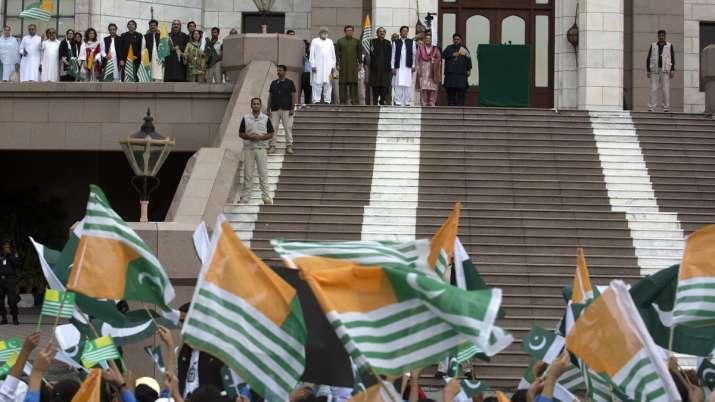 Pakistan PM Imran Khan criticizes world community for silence over Kashmir issue