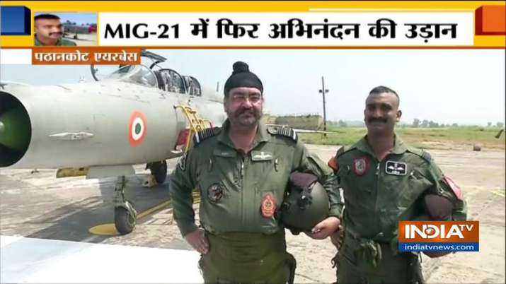 Airforce Chief with Wing Commander Abhinandan