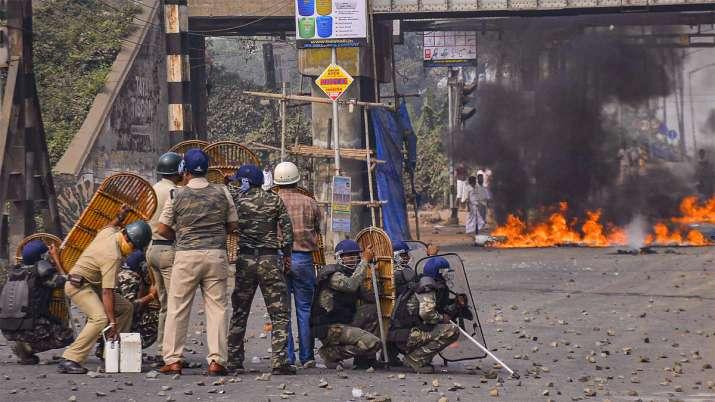 Citizenship Act, West Bengal, West Bengal protests, Mamata Banerjee, Violent protests rock Bengal