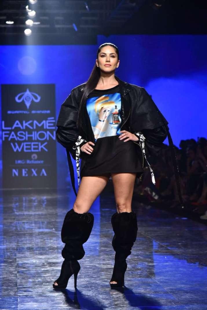 Lakme fashion week, sunny leone