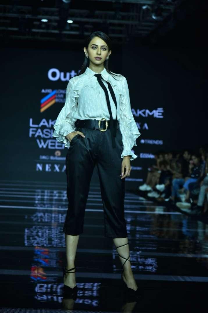 Lakme fashion week, rakul preet singh