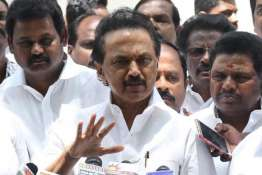 DMK's MK Stalin lashes out at AIADMK over no-confidence motion | Facebook- Khabar IndiaTV