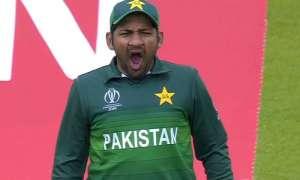 सरफराज अहमद से छिनी पाकिस्तान के तीनों फॉर्मेट की कप्तानी, इन खिलाड़ियों को बनाया गया नया कप्तान - India TV