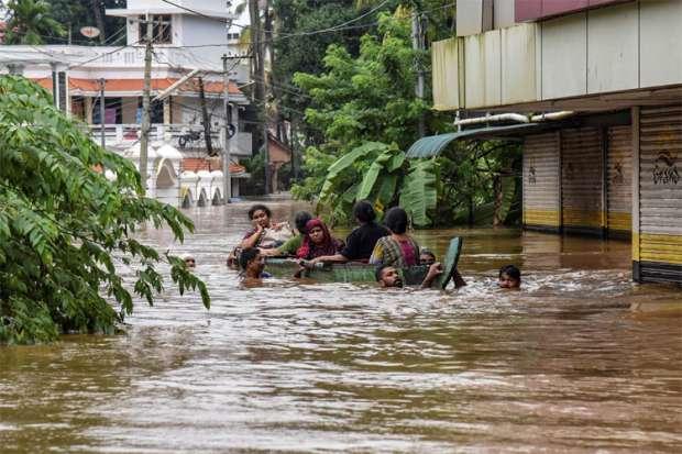 Kerala Flood Fury: Torrential rains, overflowing rivers, landslides kill over 160   PTI- Khabar IndiaTV