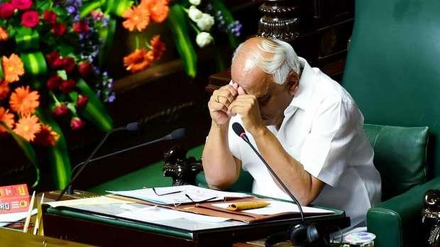 विश्वास मत से पहले कर्नाटक विधानसभा से कुमारस्वामी और उनके विधायक नदारद, अध्यक्ष ने जताया खेद- India TV