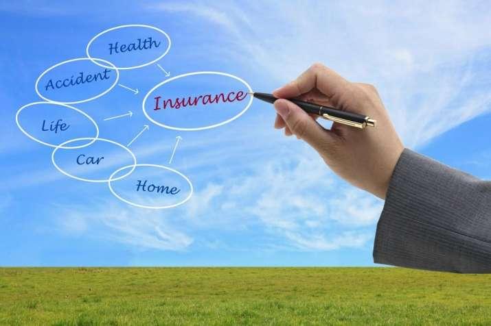 जीवन बीमा खरीदते समय बोनस के लालच में न फंसे- IndiaTV Paisa