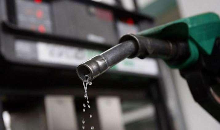 मुंबई में सबसे अधिक महंगा हुआ पेट्रोल, राज्य सरकार ने लगाया 3 रुपए का सूखा उपकर- India TV Paisa