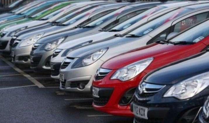 अक्टूबर में टोयोटा ने 13,601 और महिंद्रा ने 51,383 वाहन बेचे- India TV Paisa