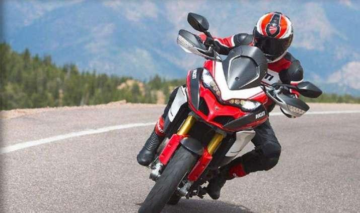 EXCLUSIVE: डुकाटी ने पेश कीं नई सुपर बाइक्स, जानिए इन बेमिसाल मोटर साइकिल्स की खूबियां- India TV Paisa