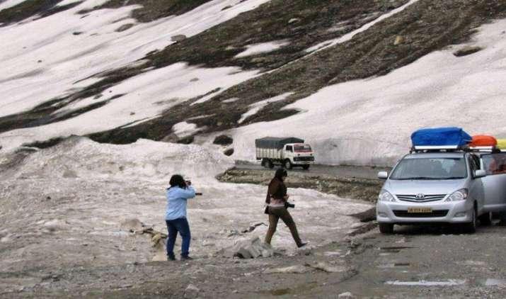 Top Speed: 6 घंटे का रह जाएगा दिल्ली से श्रीनगर का सफर, 150-200 किलोमीटर की रफ्तार से दौड़ेंगी गांड़ियां- India TV Paisa