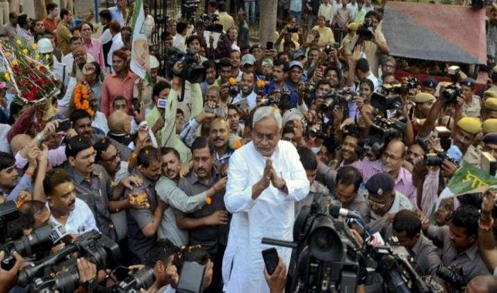 Big Challenge: तीसरी बार मुख्यमंत्री बन रहे नीतीश कुमार, बिहार में तेज आर्थिक विकास की है चुनौती- India TV Paisa