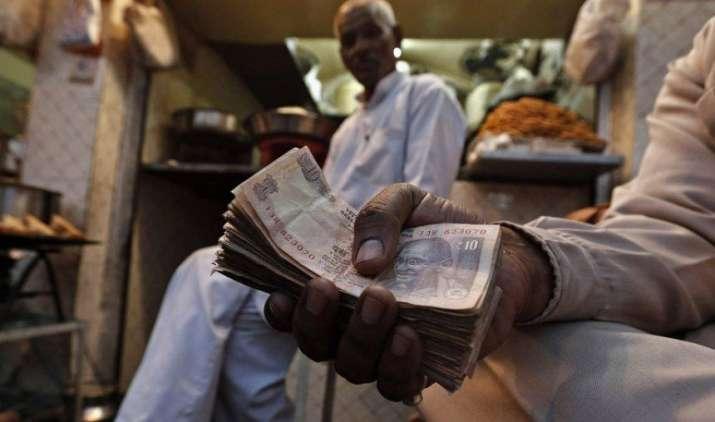 7th Pay Commission: बेसिक सैलरी 7,000 से बढ़कर हो सकती है 18,000, पेंशर्नस को भी मिल सकता है लाभ- India TV Paisa