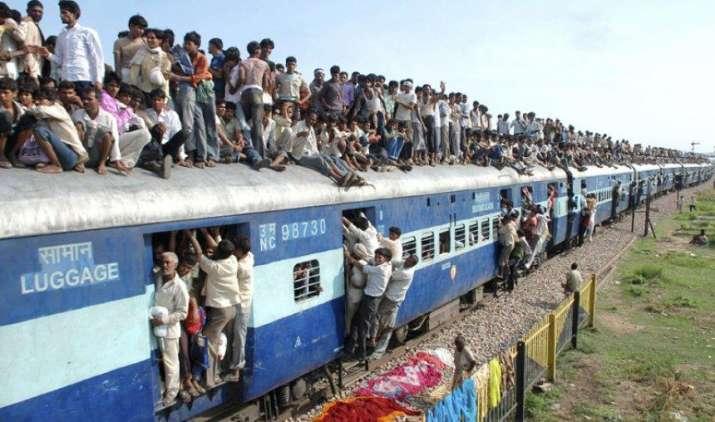 Trouble for Travel: कम दूरी के सफर के लिए चुकानी होगी ज्यादा कीमत, रेलवे ने न्यूनतम किराया किया डबल- India TV Paisa